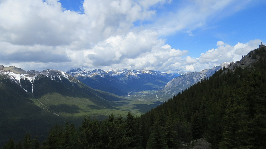 the Bow river Valley continues towards Castle mountain and Lake Louise